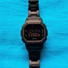 CASIO - G-SHOCK DW-5600BB-1DR SOLID COLORS CUSTOM