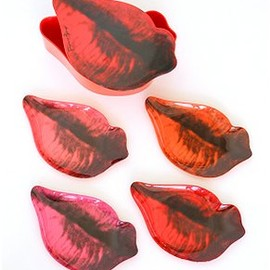 The Whitney Museum of American Art - Andy Warhol Lip Plate Set