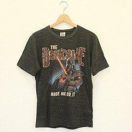 JUNK FOOD - TAR WARS The DarkSide MADE ME DO IT Tシャツ