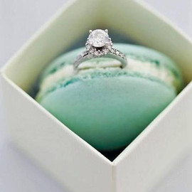 Tiffany & Co. - diamond ring..