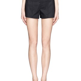 Helmut Lang - Contrast waistband pleated front shorts