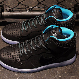 "Nike - NIKE DUNK CMFT PREMIUM QS ""LIMITED EDITION for NONFUTURE"" BLK/SAX/CLEAR"