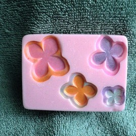 Luulla - Sweet Pea Flower Soap