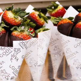 GODIVA - Chocolate Covered Strawberries