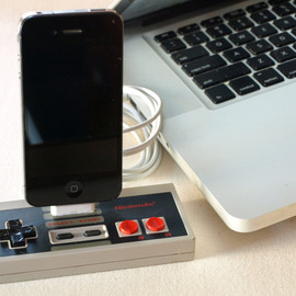 GeekUnique - IPod Touch Nintendo Controller Dock