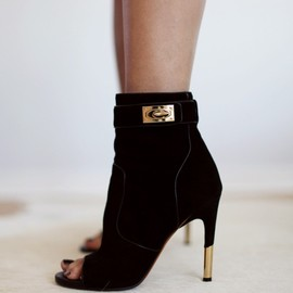 GIVENCHY - bootie.