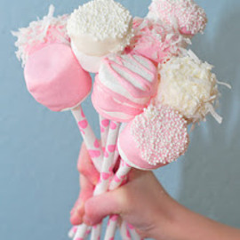 Marshmallow pops decorated in pink and white
