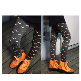 coii - 	 bat pattern leggings
