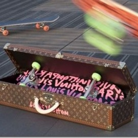 Louis Vuitton  - skateboard