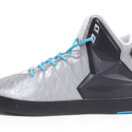 NIKE - LEBRON XI NSW LIFESTYLE 「LEBRON JAMES」 「LIMITED EDITION for NONFUTURE」