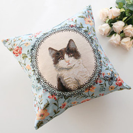 kino - Blue Flower Cat Cushion