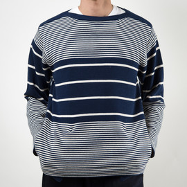 SON OF THE CHEESE - C100 BORDER SWEATER(NAVY)
