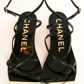 CHANEL - black & gold