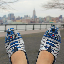 TOMS - Star Wars  R2-D2 Shoes