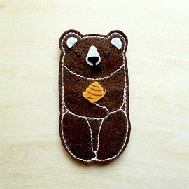 littleoddforest - Honey Bear Pin Brooch (Brown Bear)