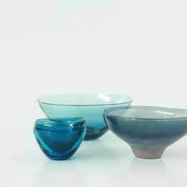 evameva - blue tableware from Okinawa