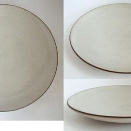 Lucie Rie - Lucie Rie/ Plate_511/White