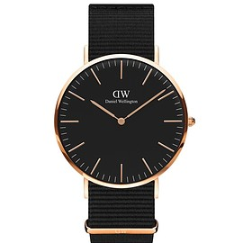 DANIEL WELLINGTON - 【予約】DANIEL WELLINGTON / CLASSIC BLACK 40mm コーンウォール/ゴールド
