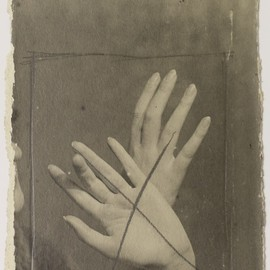 Man Ray - Mains, 1925, photograph