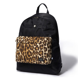 "HEAD PORTER - ""ZEPHYR"" DAY PACK LEOPARD"