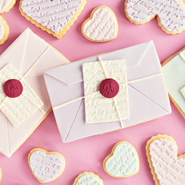 Sweetapolita - Love Letter & Scripted Heart Cookies