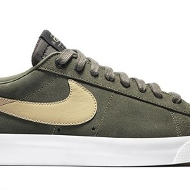 NIKE SB - Blazer Low GT - Cargo Khaki/Bamboo/Gum Light Brown/Black