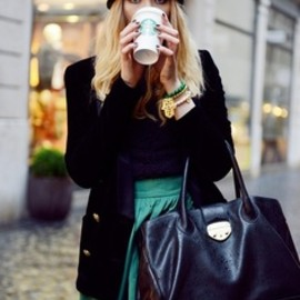 Winter cozy style for a coffee day!
