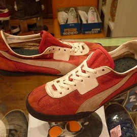 PUMA - 「<used>70-80's PUMA UNKNOWN TRAINING SHOES red size:UK9/h 11800yen」完売