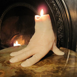 JohnnyBWilde - Hammer Horror 'Thing' Hand Candle, cast from a real hand, which BLEEDS as it burns....