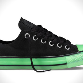 CONVERSE - Chux Glow In The Dark Converse Chuck Taylors