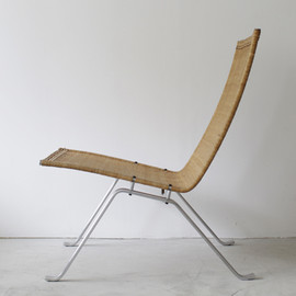 'Drop' Chair by Arne Jacobsen (Leather)