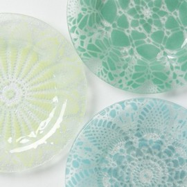 anthropologie - Frosted Doily Dessert Plates