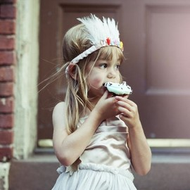 Cute feather crown for kids.