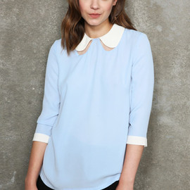 White Little Kiss - cut out collar blouse