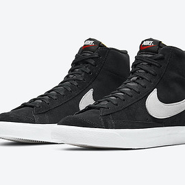 NIKE - Blazer Mid '77 - Black/Photon Dust