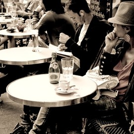 Cafe' Life , Paris