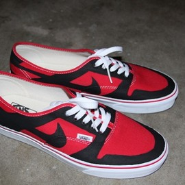 VANS - Custom Canvas Shoes Dressed Up As Nike Dunks
