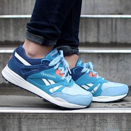 Reebok - REEBOK VENTILATOR WMNS BATIK BLUE/TOUGH BLUE/DENIM GLOW/CORAL POP