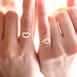 talkative by igo - talkative mouth ring