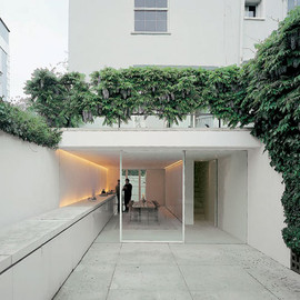 John Pawson - J. Pawson's Private House, London: Kitchen & Courtyard