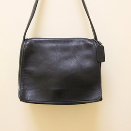 COACH - Vintage Coach Black Leather Purse //   Shoulder Bag