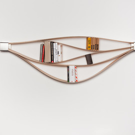 Natascha Harra-Frischkorn - Chuck flexible wooden bookshelf