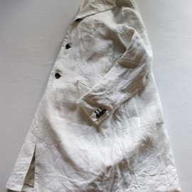 EEL - mono-tone coat white