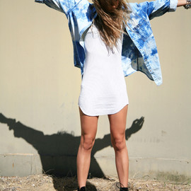 (DIY bleached denim shirt, RVCA dress, Topshop boots)