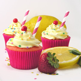 eASYbAKED - Strawberry Lemonade Cupcakes!!!!