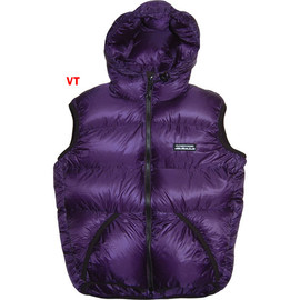 FEATHERED FRIENDS - HOODED HELIOS VEST