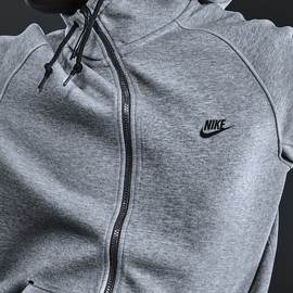 Nike - NIKE TECH FLEECE