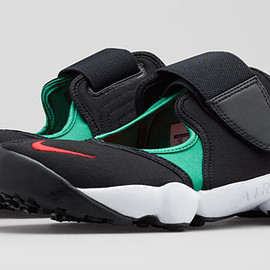 Nike - Air Rift MTR - Forrest Green/Black/Atomic Red