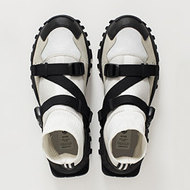 HYKE adidas originals - AOH-010 white/black/black