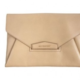 GIVENCHY -  Antigona Envelope Clutch